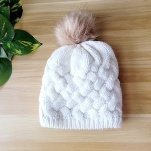 Knitted fleece lined winter hat pom-pom off white